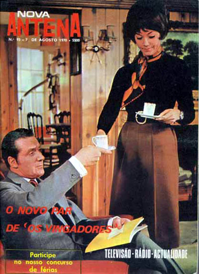Cover of Nova Antena, Portugal, 1970, featuring Patrick Macnee and Linda Thorson.