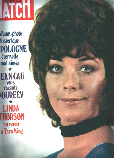 PARIS MATCH 1971 - Linda Thorson piece